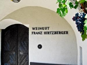 Hirtzberger Eingangsportal (1 von 1)